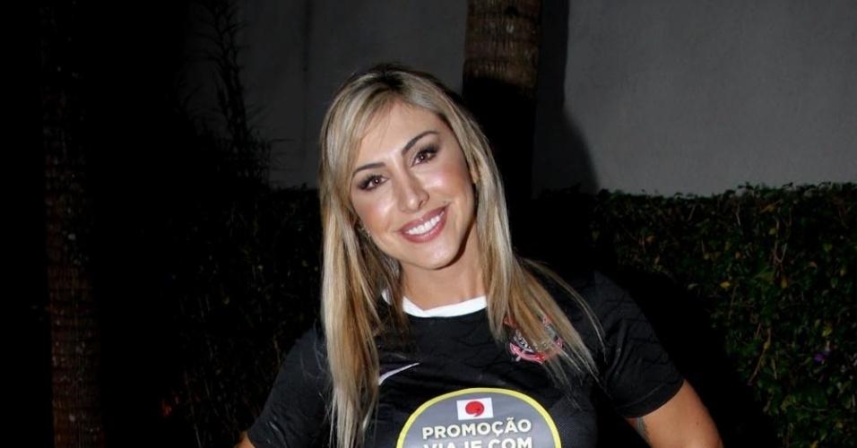Jaque Khury participou da gravação de um clipe promocional do time de futebol Corinthians, em São Paulo (16/8/12). A promoção levará torcedores para uma viagem ao Japão
