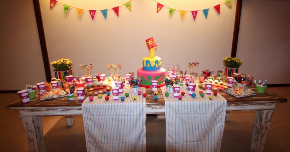 decoracao festa aniversario:Aproveitando as cores e a linguagem visual usadas nas histórias em