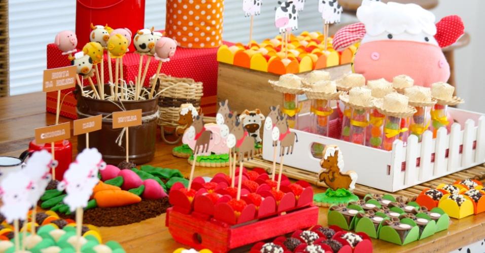 Mesas  Tema  Festa  Anivers  Rio  Decora    O Fazenda  Caraminholando