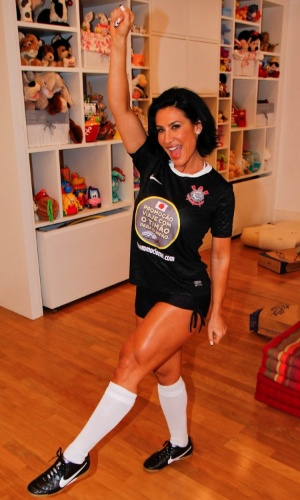 Scheila Carvalho participou da gravação de um clipe promocional do time de futebol Corinthians, em São Paulo (16/8/12). A promoção levará torcedores para uma viagem ao Japão