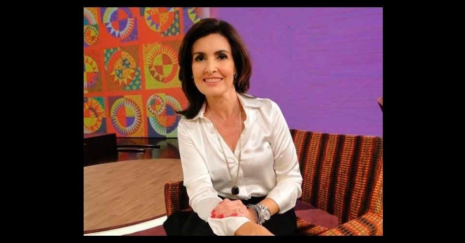 A camisa branca usada pela apresentadora Fátima Bernardes foi a sexta peça mais pedida na Globo. O modelo é da loja Alberta, que fica no Rio de Janeiro (www.alberta.com.br)