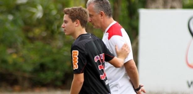 Adryan está entre as jovens apostas de Dorival que devem jogar contra o Botafogo
