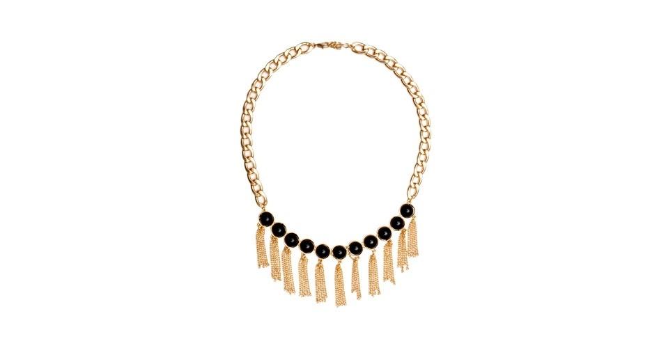 Aposte no estilo de Débora e invista em um colar e preto com franjas, como este da Balonè, que custa R$ 129 (www.balone.com.br). Preço pesquisado em agosto de 2012 e sujeito a alterações