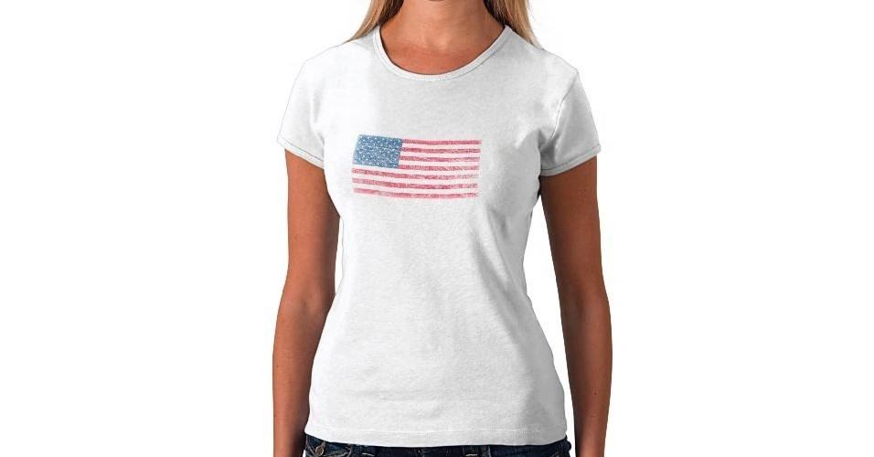 Camiseta com a bandeira dos Estados Unidos; R$ 40,20, na Zazzle (www.zazzle.com.br). Preço pesquisado em agosto de 2012 e sujeito a alterações