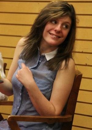 Carly Fleischmann, 17, sofre de apraxia oral, que faz com que ela tenha dificuldade de falar, embora sua mente seja capaz de organizar pensamentos