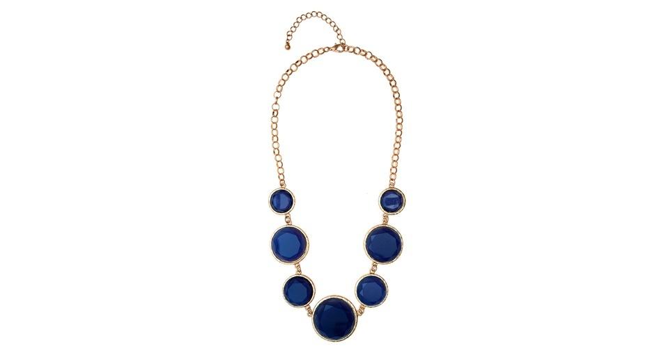 Colar de círculos azuis; R$ 179, da Duza, na Farfetch (www.farfetch.com.br). Preço pesquisado em agosto de 2012 e sujeito a alterações