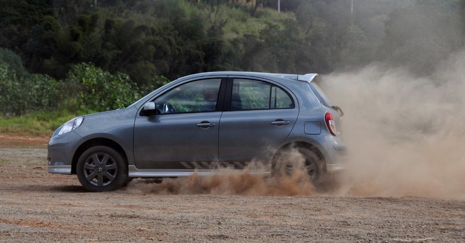 Enquanto o bom número de equipamentos valoriza o lado racional, acelerar o carro instiga o emocional