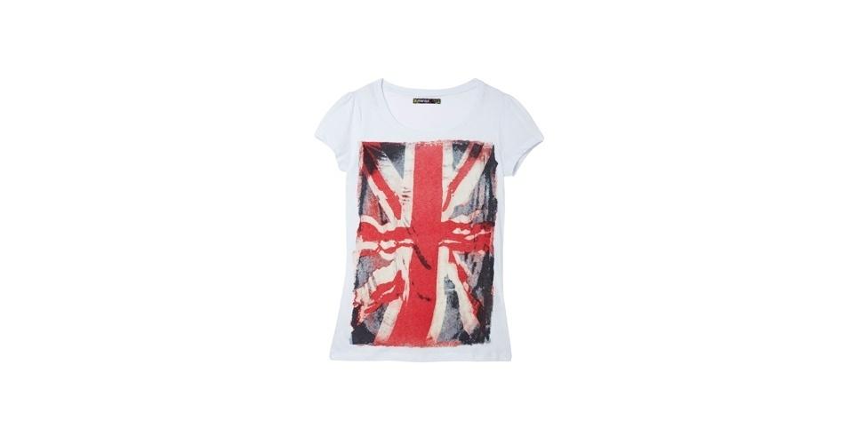 Inspire-se na camiseta de bandeira usada por Débora (Nathalia Dill) e aposte neste tipo de estampa. Camiseta com a bandeira da Inglaterra; R$ 19,99, na Marisa (www.marisa.com.br). Preço pesquisado em agosto de 2012 e sujeito a alterações
