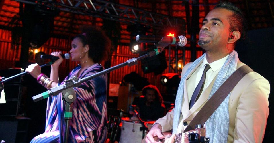 Luciana Mello e Jairzinho tocaram na Festa do Peão de Barretos 2012 (16/8/12)
