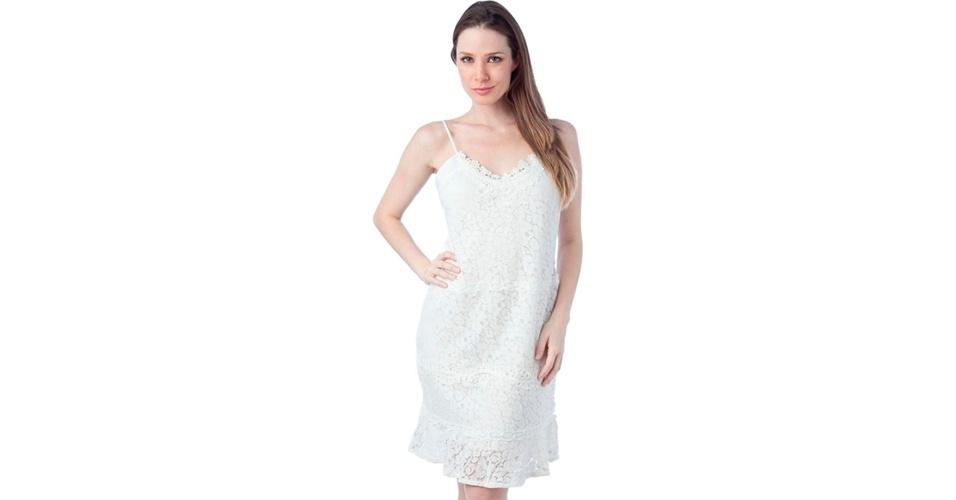 Para os dias mais quentes, o vestido de renda branca pode ter alcinhas; R$ 249,90, da Shop 126, na Dafiti (www.dafiti.com.br). Preço pesquisado em agosto de 2012 e sujeito a alterações