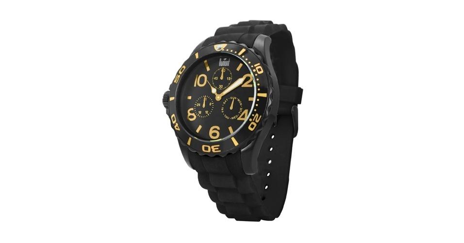 A vantagem é que está cheio de modelos parecidos com o relógio de Jorginho (Cauã Reymond) no mercado. Relógio preto com dourado; R$ 350, na Dumont (www.dumont.com.br). Preço pesquisado em agosto de 2012 e sujeito a alterações