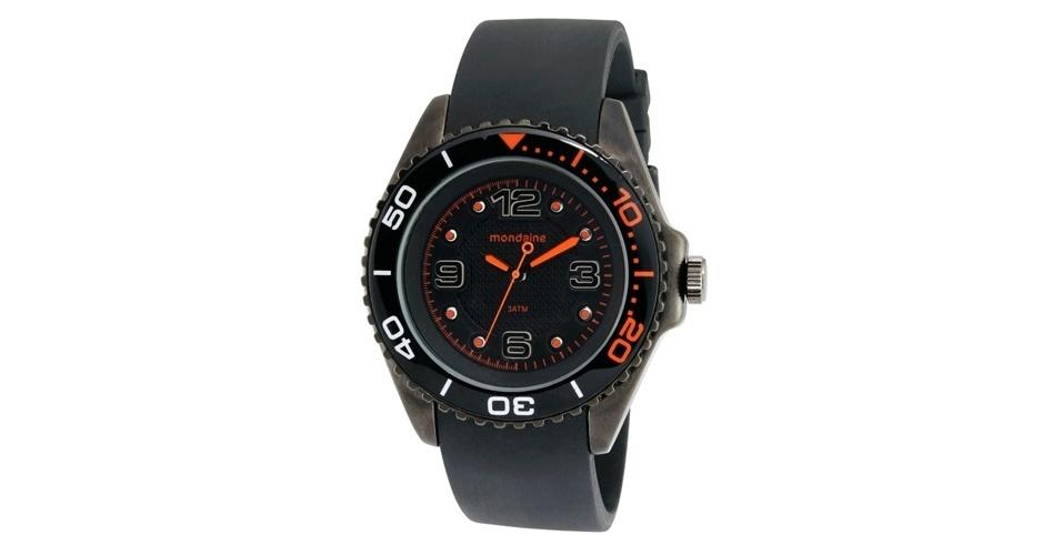 Relógio preto com laranja; R$ 158, na Mondaine (www.modaine.com.br). Preço pesquisado em agosto de 2012 e sujeito a alterações