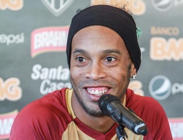 Ronaldinho Gaúcho, do Atlético-MG, concede entrevista na Cidade do Galo (17/8/2012)