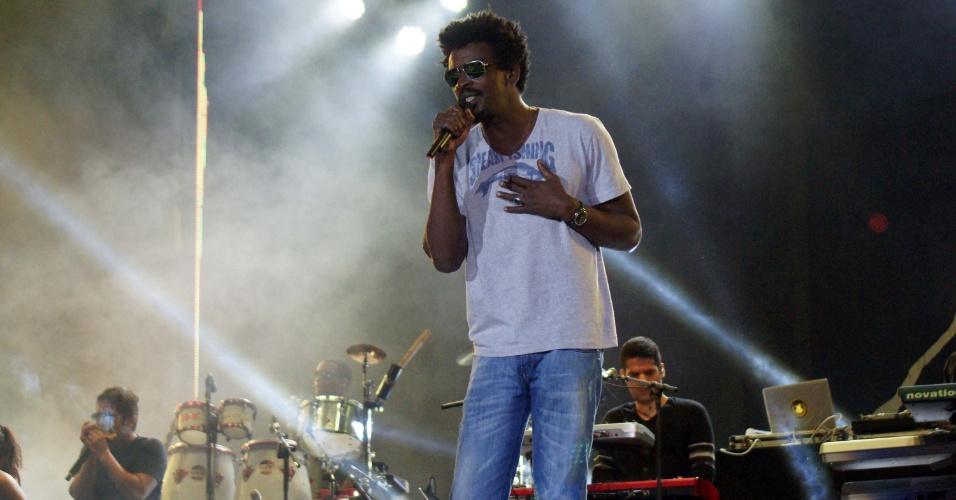 Seu Jorge também foi uma das atrações da Festa do Peão de Barretos 2012 (16/8/12)