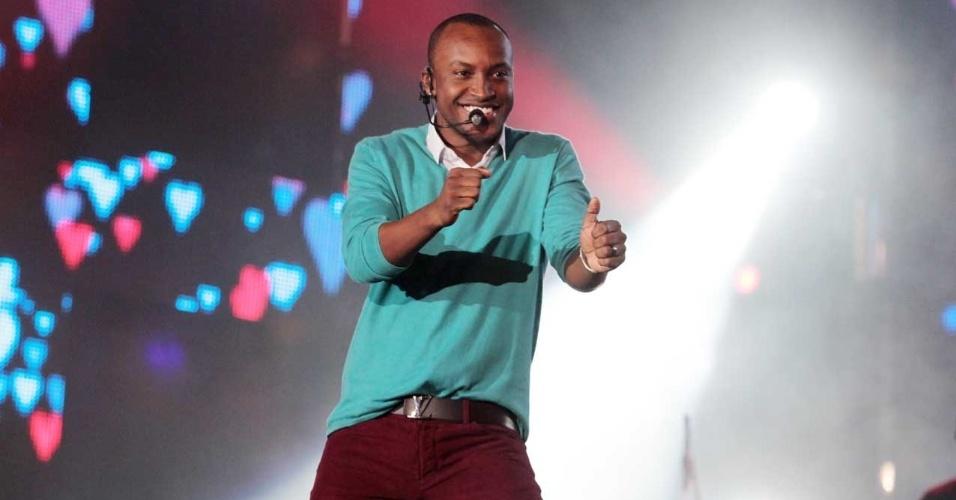 Thiaguinho se apresentou nesta quinta (16) na abertura da Festa do Peão de Barretos 2012 (16/8/12)