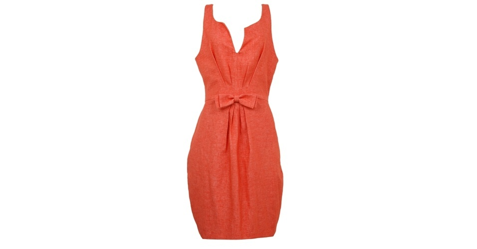 Vestido coral com pregas e laço na cintura; R$ 550, na Cristine Ban (www.cristineban.com.br). Preço pesquisado em agosto de 2012 e sujeito a alterações