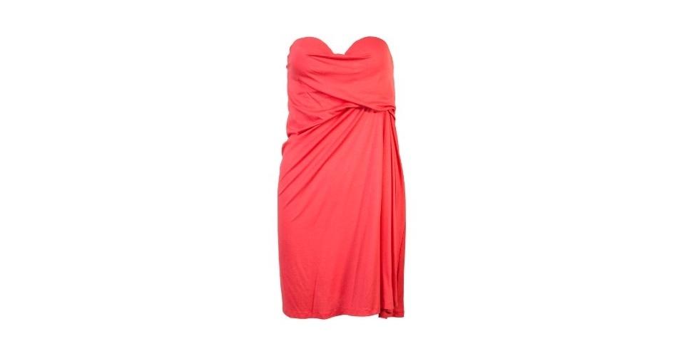 Vestido tomara que caia drapeado; R$ 152,90, da Coca-Cola Clothing, na Dafiti (www.dafiti.com.br). Preço pesquisado em agosto de 2012 e sujeito a alterações