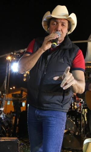 O sertanejo Juliano César se apresenta no segundo dia da 57ª edição da Festa do Peão de Barretos (SP) (17/8/2012)