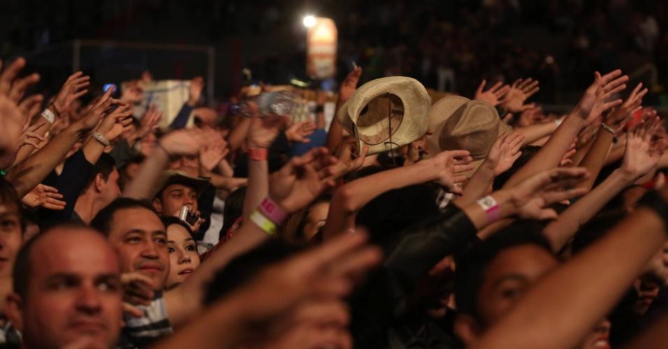 Público assiste ao show da dupla João Bosco e Vinícius no segundo dia da 57ª edição da Festa do Peão de Barretos (SP) (17/8/2012)