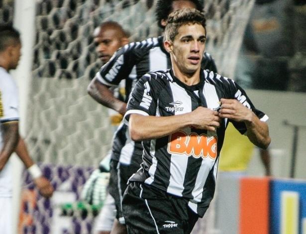 Neto Berola comemora gol que deu a vitória ao Atlético-MG sobre o Botafogo por 3 a 2 (19/9/2012)