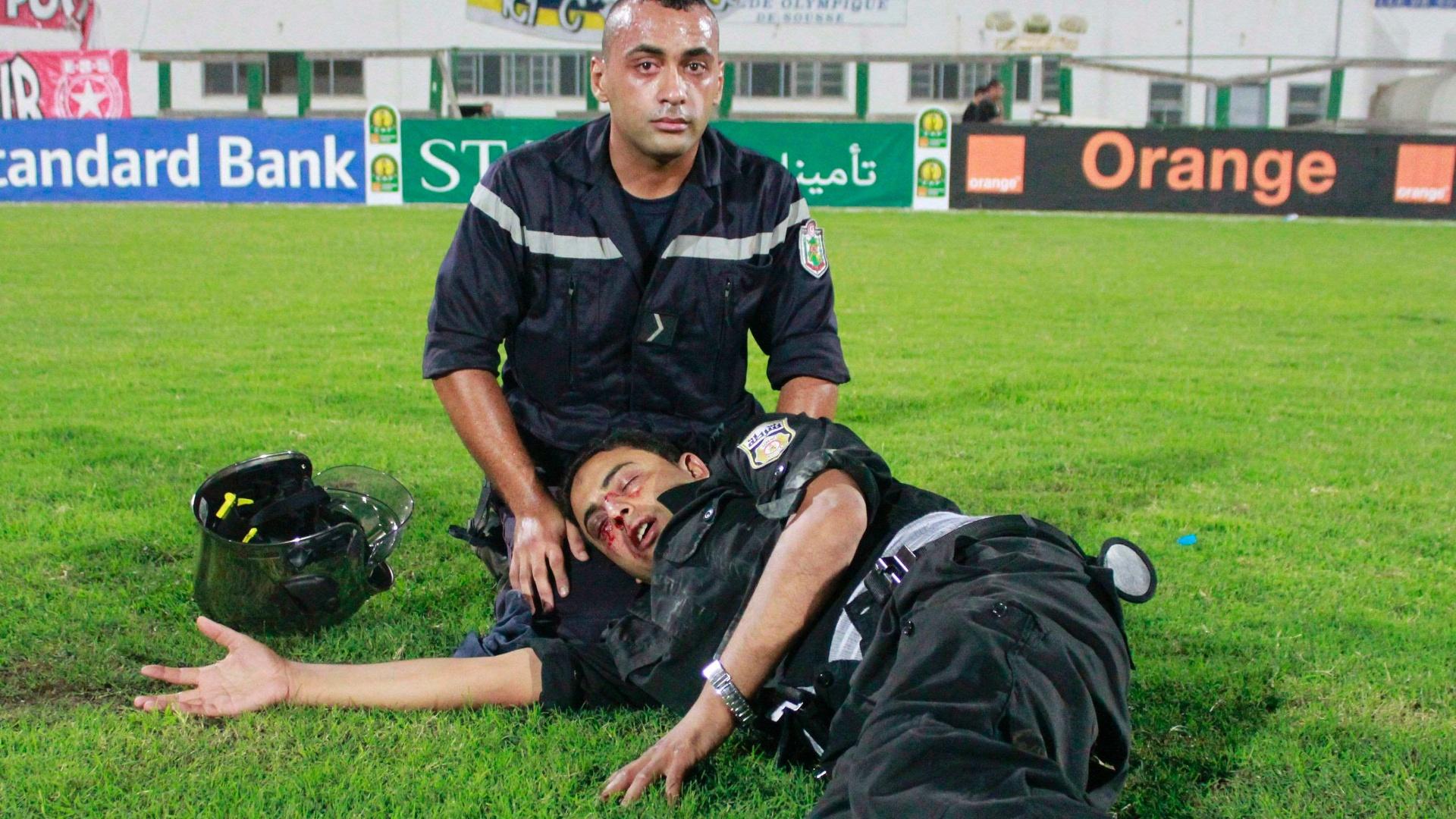 Policial fica ferido durante confronto com torcedores nas semifinais da Liga dos Campeões da África