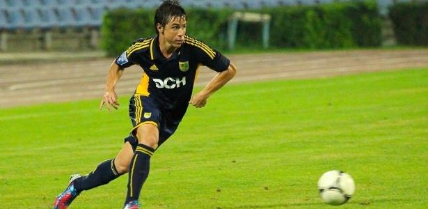 Willian, que estava no Metalist, da Ucrânia, assinará contrato de um ano com o Cruzeiro