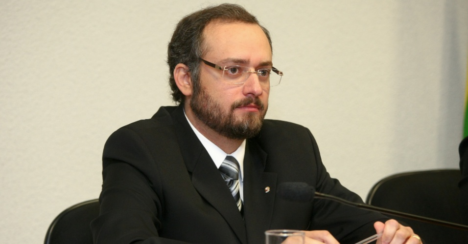 21.ago.2012 - O procurador Daniel Rezende Salgado presta depoimento na CPI do Cachoeira, em Brasília, nesta terça-feira (21)