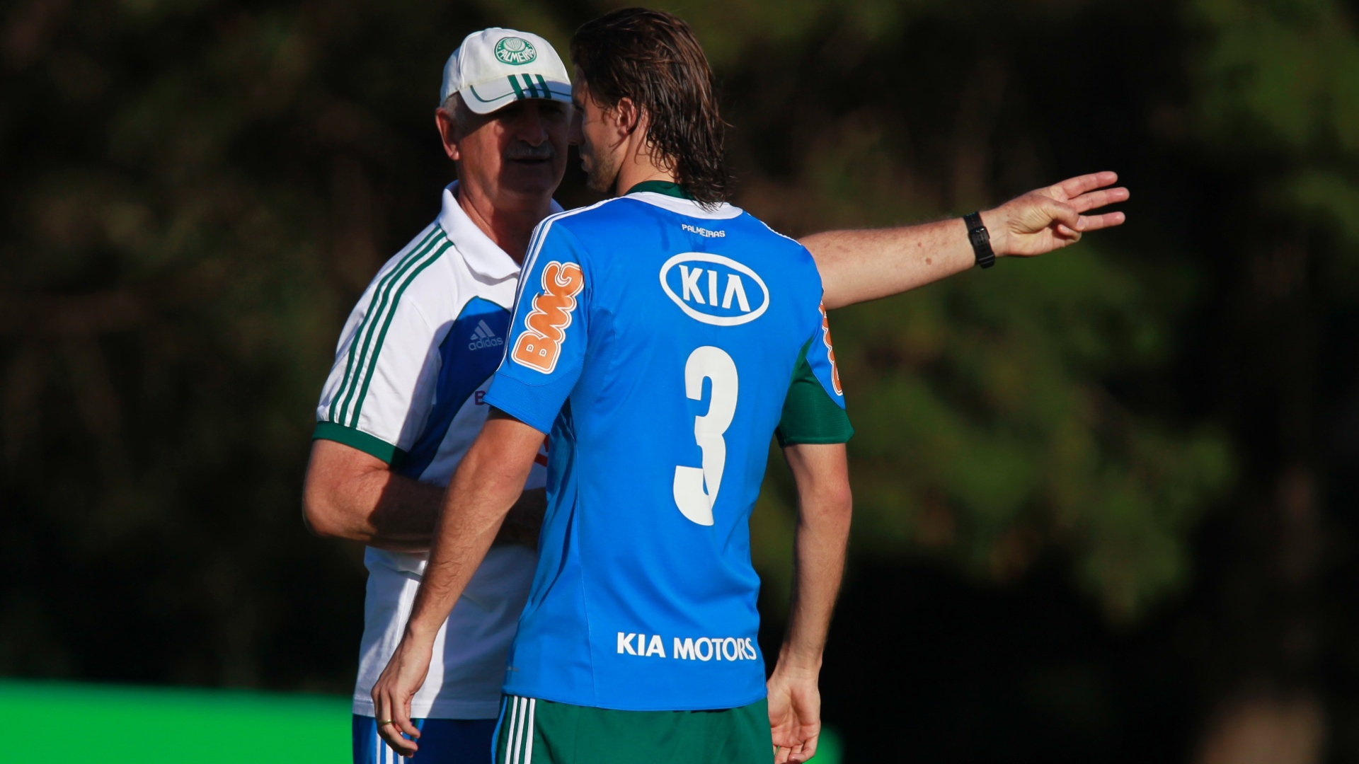 Luiz Felipe Scolari dá instruções para Henrique