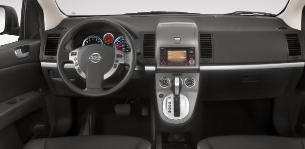 Nissan Sentra 2013 segue eficaz e traz opção de visual ...
