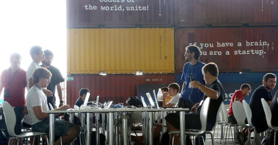 A Campus Party Berlim atraiu jovens de vários países da Europa para a série de palestras sobre tecnologia, que podem usar conexão de internet ultraveloz de 160 Gbps (Gigabit por segundo) durante os seis dias de evento