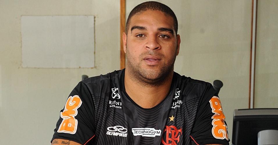 Atacante faz testes físicos no Flamengo e voltará a vestir a camisa 10 do time