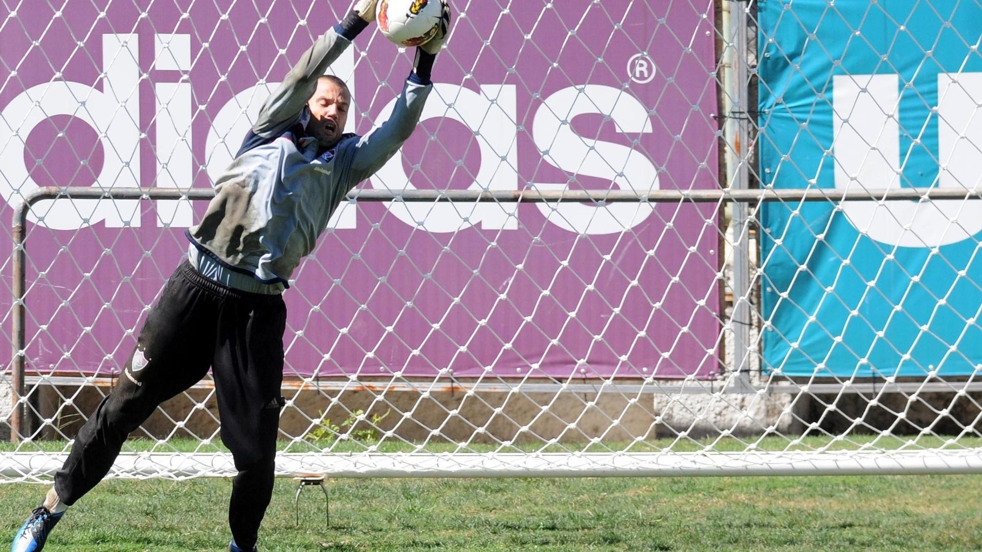 Diego Cavalieri participa de treinamento do Fluminense nas Laranjeiras