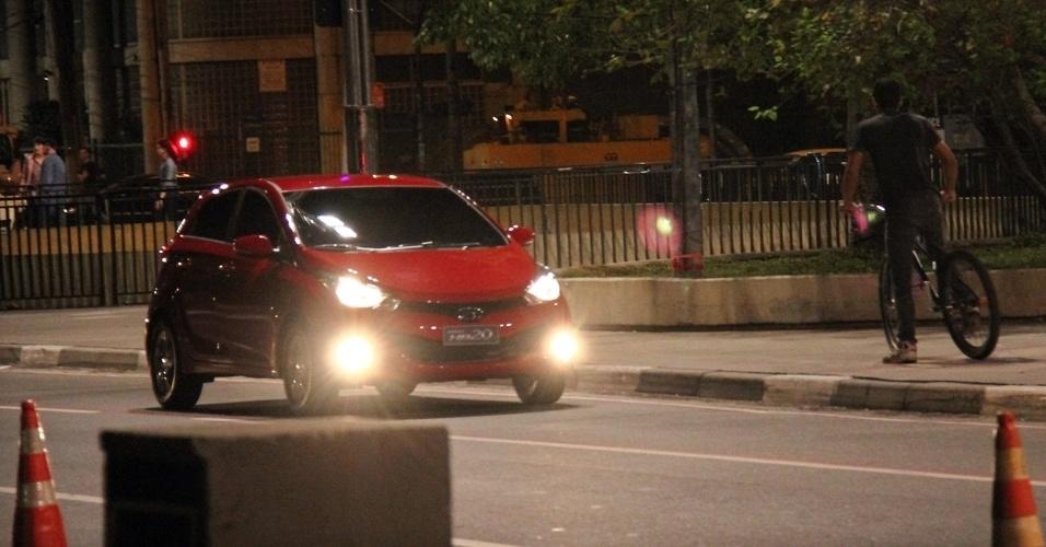 Hyundai HB20, futuro compacto da marca coreana, circula sem disfarce em São Paulo (SP)