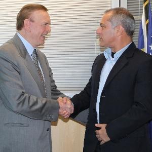 Marin cumprimenta o novo presidente da Comissão de Arbitragem da CBF, Aristeu Leonardo Tavares