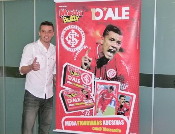 Meia D'Alessandro do Internacional durante lançamento da marca oficial do jogador no Gigantinho (22/08/2012)