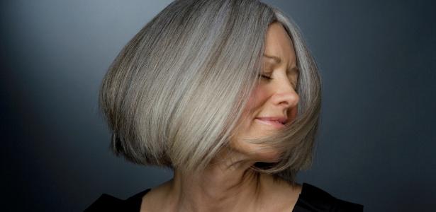 Com as dicas dos especialistas é possível assumir os cabelos grisalhos de maneira elegante