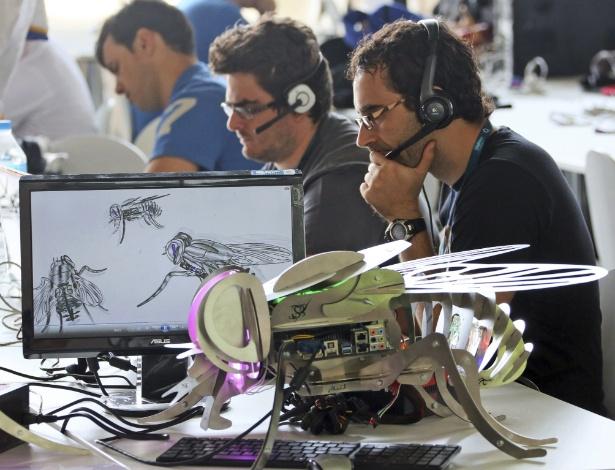 Outro computador modificado na Campus Party Berlim, na Alemanha, imita (muito bem) uma mosca