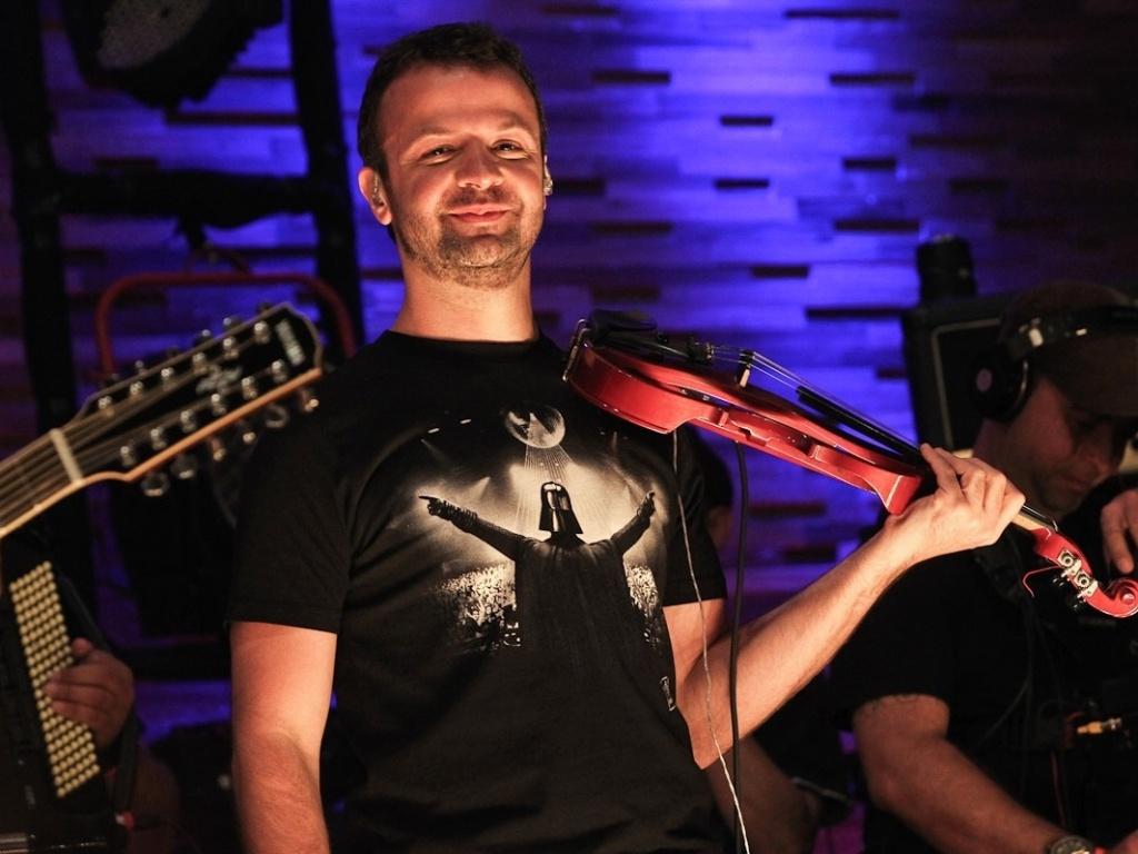 Amon Lima fez uma participação especial no CD
