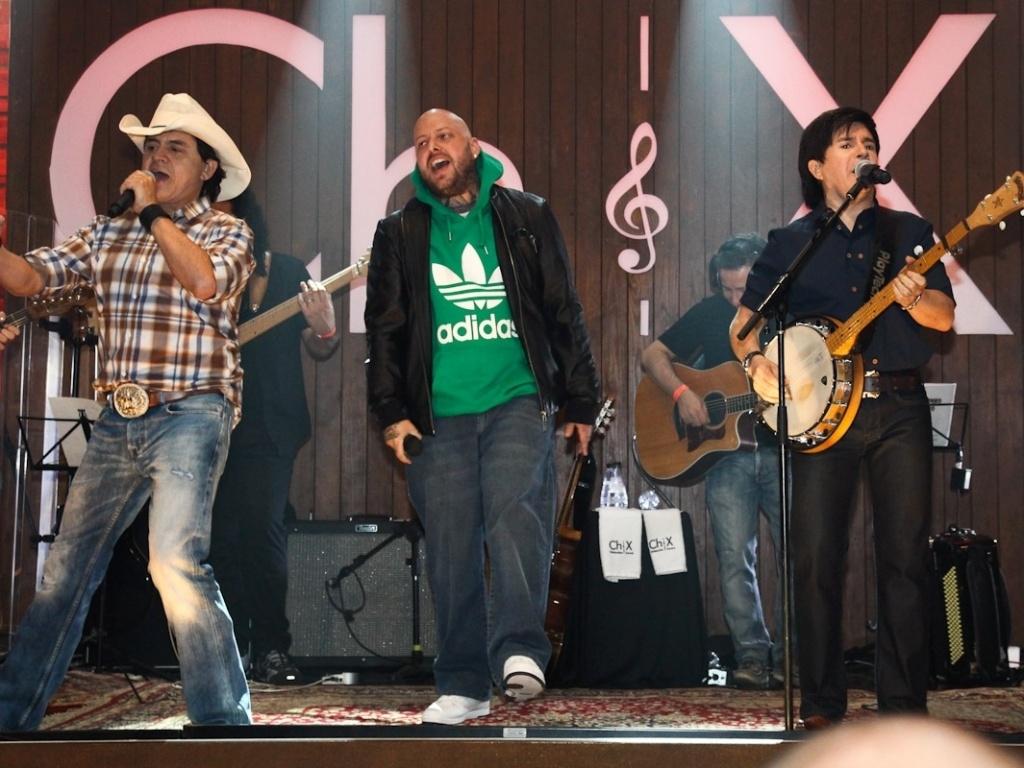 Cabal cantou com Chitãozinho & Xororó para o CD