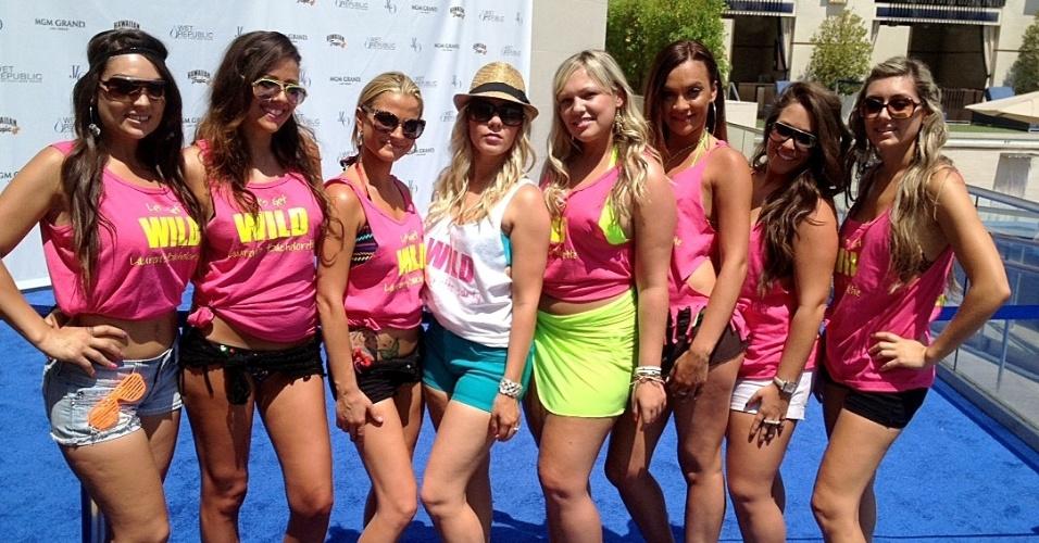 Garotas que participaram da festa que contou com a presença do príncipe Harry, em Las Vegas (21/8/12)