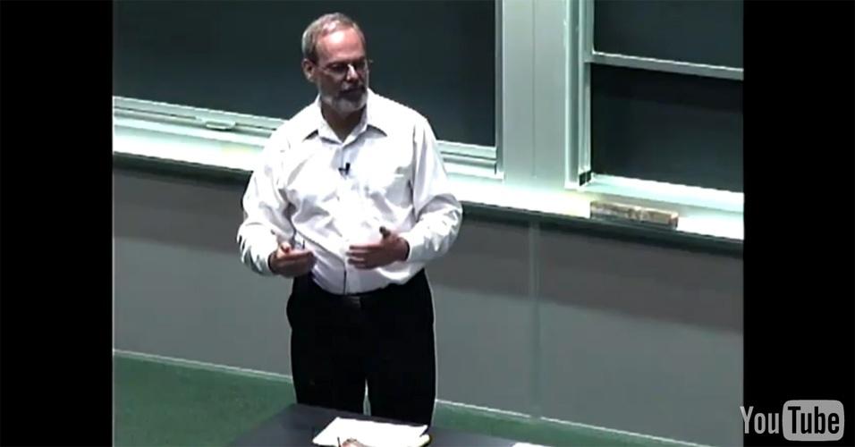 """7º lugar: Nesta posição, a aula """"Tipos de Dados, Operadores e Variáveis"""" do curso """"Introdução à Ciência de Computação"""""""