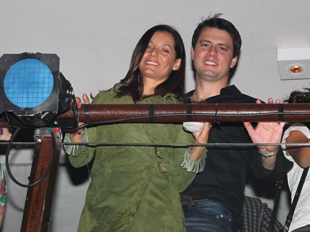 Mônica Carvalho e o marido foram à gravação do CD ao vivo