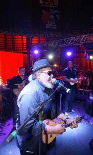 O compositor e sambista carioca Jorge Aragão faz show na 57ª Festa de Peão de Barretos (22/8/12)