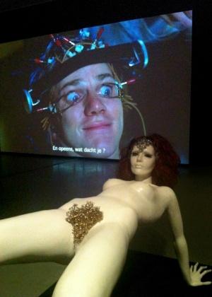 """Manequim original do filme """"Laranja Mecânica"""" em exposição do cineasta Stanley Kubrick em Amsterdã"""