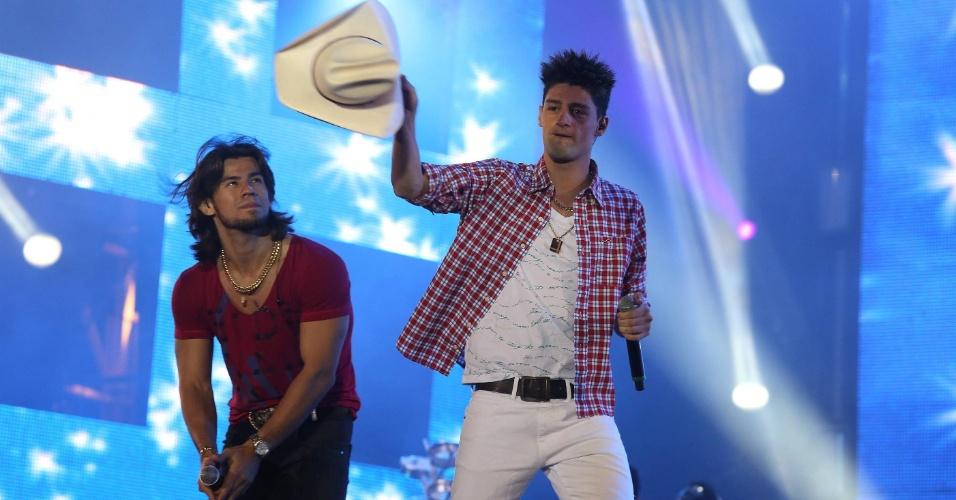 Munhoz e Mariano participaram de um show com outros artistas em homenagem à dupla Tonico e Tinoco (23/8/12)