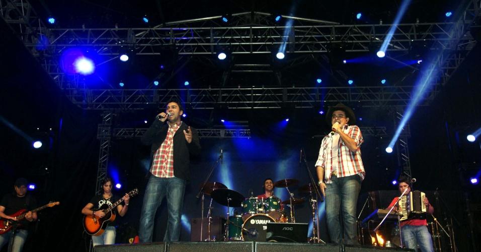 A dupla Thales & Thiago se apresentou na 57ª edição da Festa do Peão de Barretos, em São Paulo (25/8/12)