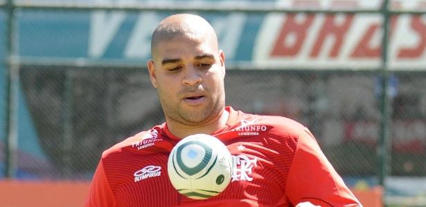 O ex-atacante do Flamengo não está disposto a voltar ao futebol, segundo o dirigente