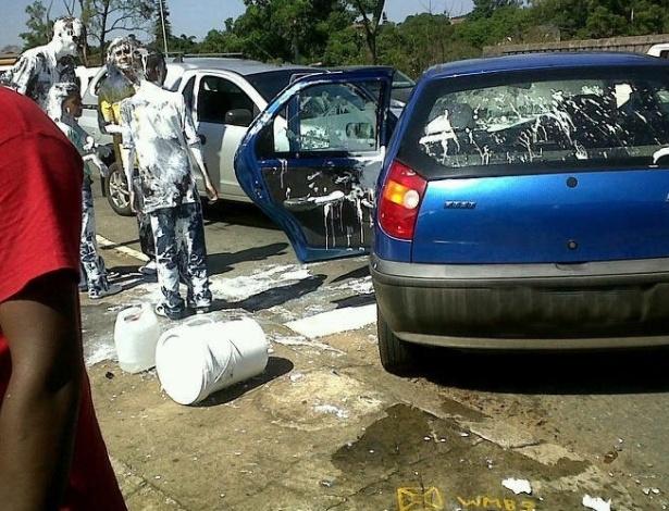 Polícia divulga foto fictícia do que poderia ter sido o resultado do pequeno acidente: tudo branco...