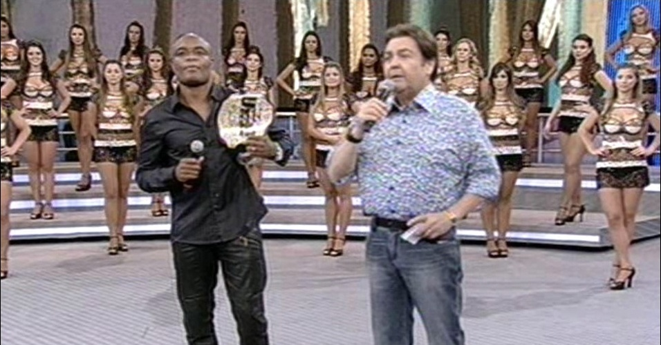 Anderson Silva participa do Arquivo Confidencial, no Domingo do Fausto