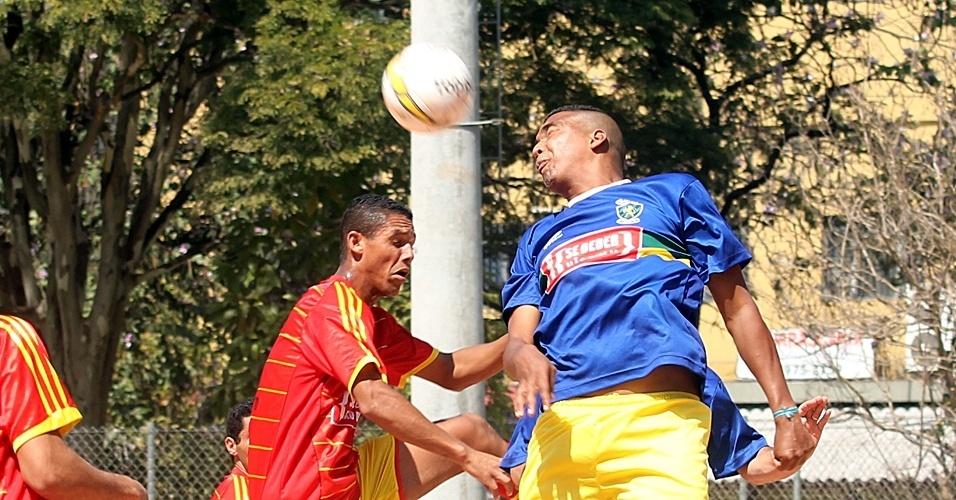 Campo do São José Inter Jaragua (vermelho) X Saad (azul)
